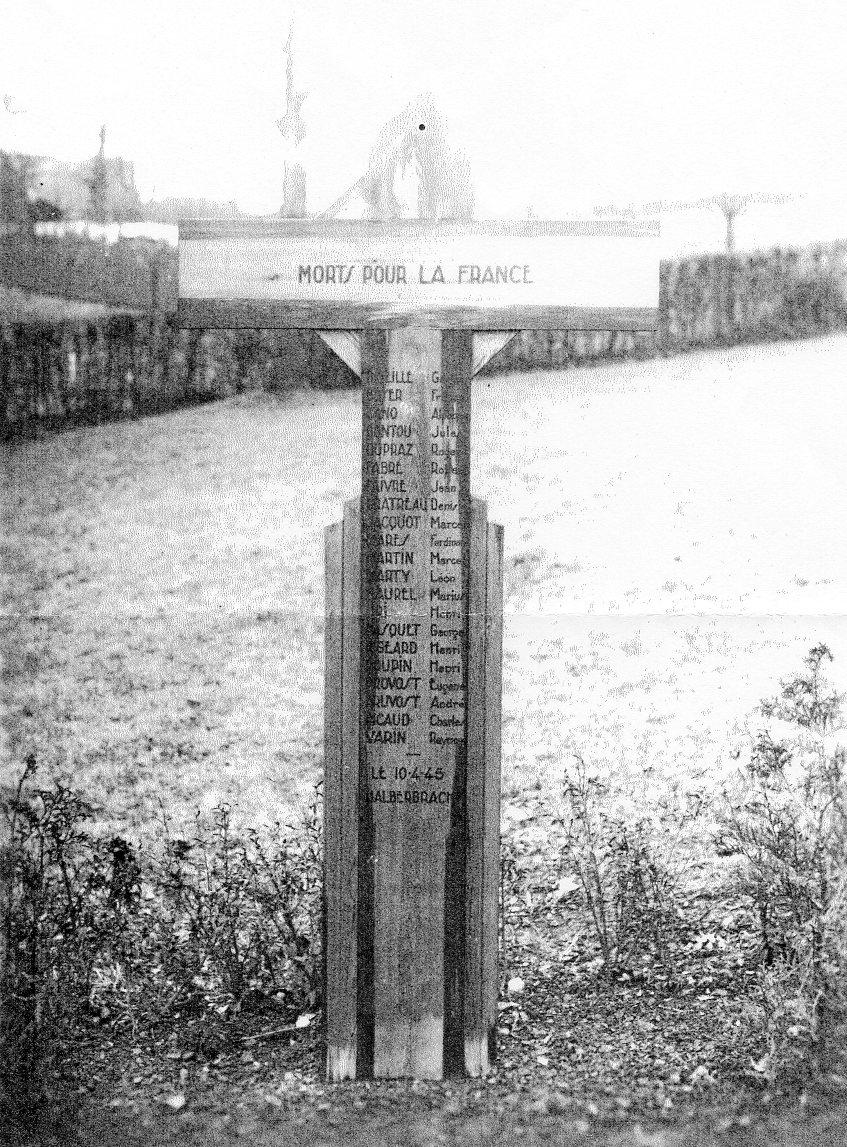 Halberbracht - Mémorial dédié aux 19 PG français tués par les forces US le 10 avril 1945
